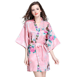 Kimonos de seda japoneses online-Batas de seda de verano para mujeres Traje de baño de Kimono japonés Bata impresa Pijamas Ropa de dormir