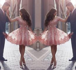 Mangas rosa vestidos de polvo online-Dusty Pink Nuevo estilo árabe Vestidos de Fiesta Fuera de los hombros Apliques de encaje Mangas cortas Vestidos de fiesta cortos Vestidos de cóctel sin espalda