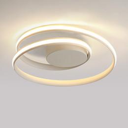 illuminazione del soffitto della stanza principale Sconti Minimalismo moderno plafoniere a LED nero / bianco plafoniera in alluminio soggiorno camera da letto lamparas de techo colgante moderno