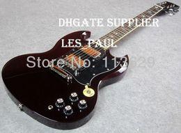 Chitarre sg custom online-Nuovo Top Vendita Costume Thunderstruck AC DC Angus Young Signature SG Aged Cherry Red Wine mogano corpo della chitarra elettrica intarsi fulmine