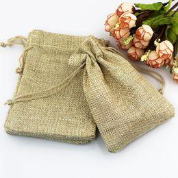 2019 i sacchetti di regalo di iuta 10x14cm sacchetti regalo fatti a mano 50pcs personalizzata coulisse dei sacchetti di juta naturale sacchi di tela gioielli sacchetti del pacchetto per matrimoni parti sconti i sacchetti di regalo di iuta