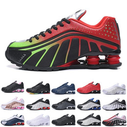 uomini che esercitano scarpe shox Sconti 2020 Shox R4 Deliver d'aria degli uomini dei pattini di goccia di trasporto famoso all'ingrosso della scarpa da tennis Mens atletici scarpe da tennis Pattini correnti di sport 40-46 Esecuzione