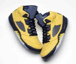 chaussures en daim nubuck pour hommes Promotion 2019 Release jordan retro 5 Chaussures de basket-ball pour hommes Michigan Inspire College Marine Amarillo 5s Sneakers jaune Nubuck Upper Man Chaussures de sport CQ9541-704