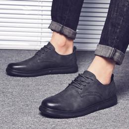 2020 zapatos de vestir de estilo europeo 2018 Nuevos Hombres Oxfords Derby Brogue Shoes Vestido básico Zapatos formales Moda de cuero Europa Lujo Gentry estilo vendedores promoción zapatos de vestir de estilo europeo baratos