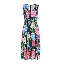 2019 Primavera Verano Sin mangas Con cuello en V Estampado floral 3D Abalorios Seda adornada Mediados de pantorrilla Vestido largo vestidos de lujo MAY142234M4 desde fabricantes