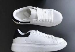 цвета одежды мужчины обувь Скидка 2018 лучший дизайнерский комфорт Pretty Girl женские кроссовки повседневная кожаная обувь сплошные цвета мужские женские кроссовки классическая обувь спортивный теннис