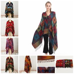 Hebilla de cuerno online-6styles Women Hooded Cloak Autumn Winter Geometric Printing Shawl National Style Cape With Horn Buckle Coat Sweater Blankets FFA2916