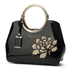 6bb51978d Nuevo bolso de laca de la moda para damas con conchas marinas brillantes en  2019 solo bandolera bandolera