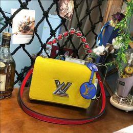 Женская сумочка классический небольшой серии мода горячая мама Леди цепи мешок элегантный навалом гофрированные женщина кожа плеча кошелек сумки Сумка T74 от Поставщики элегантные дамские сумочки