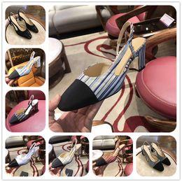 2019 sandalias de tacón alto sexy para mujer Diseñador de moda de lujo zapatos de mujer sandalias de diseñador Primavera 2019 para mujer vestido puntiagudo señoras bombas Negro tacones altos Sexy con caja sandalias de tacón alto sexy para mujer baratos