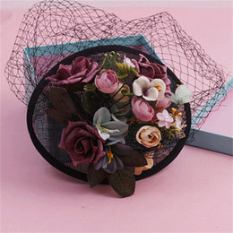 Vintage Siyah Düğün Aksesuarları Gelin Şapka Düğün Kadın Şapkalar Şapkalar Çiçek Brezilya Rusya Bowler Hat nereden