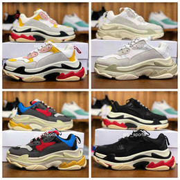2019 uomini scarpe parigi Stilista balenciaga triple s shoes 17FW Triple-S 2018 Triple S Sneaker Desi Luxury Dad Shoes per uomo Donna Beige Nero Sports Running Shoes 36-45 sconti uomini scarpe parigi