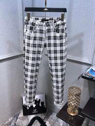 Mens straight regular fit jeans on-line-New manta Designer estilo Mens Jeans Colégio motociclista lazer Slim Fit Jeans Mens Casual Sólidos clássico Hetero Denim Designer Jeans Tamanho 29-40