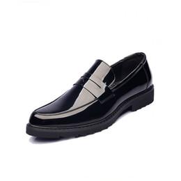 Трендовая обувь британская онлайн-Молодежные мужские мокасины из итальянской кожи с острым носом, свадебная мужская классическая обувь British Trend Luxury Designer, повседневная дикая мужская деловая обувь