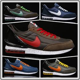 Relógios azuis em execução on-line-[Com relógio do esporte] Designer shoes men women Nike AIR MAX Reagir Daybreak disfarçado Running Shoes mens mulheres Real tonalidade clara Orewood Fusão Blue Chill Sports Sneakers