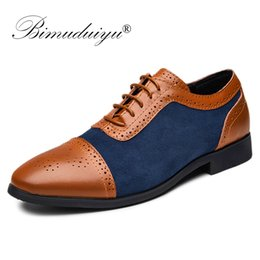 Comode scarpe da ginnastica da uomo di oxfords online-BIMUDUIYU scarpe da uomo scarpe stringate in pelle oxford scarpe moda uomo formali comode nuove scarpe da ufficio brogues di arrivo