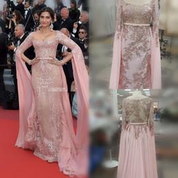 plus größe strass halfter kleid Rabatt Sonam Kapoor Elie Saab Überrock Abendkleider 2019 Rosa Applizierte Formale Partykleider Reißverschluss Zurück Roter Teppich Celebrity Dress prom Dresses