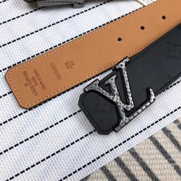 Cintura veloce online-2019 Cintura donna design cinture Moda uomo cinture uomo liscia fibbia della cintura Per uomo di alta qualità Mens genuino Leathe Cinture senza scatola veloce nave