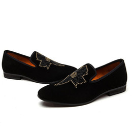 Sapatos de contas on-line-Moda Rebites Mens Mocassim Gommino Shoes Plano Loafers Driving Calçados Beads respirável deslizamento ocasional em sapatas Male Plus Size Preto