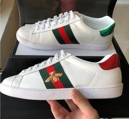 [Com caixa] abelhas de alta qualidade bordado designer de sapatos das mulheres dos homens ace sapatilhas de couro genuíno branco luxo casual shoes novo melhor presente de