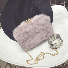 2019 bolsa de ombro rosa forma 2020 Luxo Mulheres Bags All Season Fur Evening Bag Moda Penas / partido evento do casamento Fur Embreagens Dia Handnags e bolsas