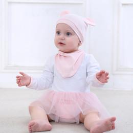 2019 bodys algodão orgânico 3 Pcs Meninas Do Bebê Bodysuits Bebê Recém-nascido de Algodão Orgânico Roupas Infantis Set Chiffon Infantil + Hat + Bids Baby Girl Underwear bodys algodão orgânico barato
