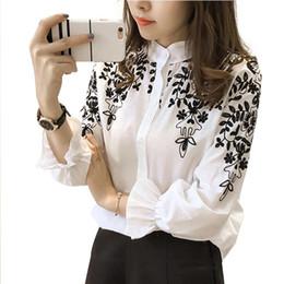 2019 blusas coreanas de algodón Moda Mujer Ropa Blusa Bordada Camisa Algodón Flor coreana Tops bordados Estilo coreano Camisa fresca 529E 25 blusas coreanas de algodón baratos