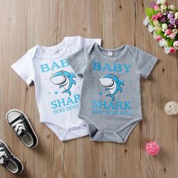 haifisch großhändler Rabatt Kleinkinder Baby Boy Designer-Stil Onesies Body Strampler Cute Cartoon Shark DOO DOO 100% Baumwolle Kurzarm Billig Großhändler