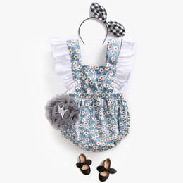 I vestiti dalla ragazza del fiore della cinghia dell'increspatura online-Baby Rompers Arrampicata Dress Flower Strap Girl Pants Baby Girl Clothes Divertenti Pagliaccetti Novità 2019 Summer Ruffle Jumpsuit