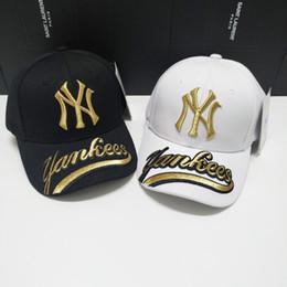 Traje negro rosa hombres online-Sombreros Snapback de la marca caliente con gorras de béisbol de múltiples colores. Gorros Bboy hip-hop para hombres y mujeres, con sombreros negros, rosados y blancos.