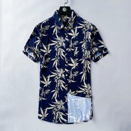 2019 tessuto a foglia d'acero Camicia estiva da uomo Manica corta Vintage Maple Leaf Print T-shirt blu scuro Vacanza Tessuto vento casual Ottima pelle amichevole tessuto a foglia d'acero economici