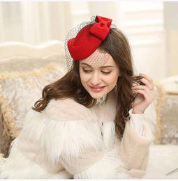 Yeni Geliş Gelin Saç Aksesuarları İngiliz Van Yün Şapka Retro Parti Ziyafet Kadın Şapkalar Bow Dantel İplik Lady Bereliler Şapka nereden mevsim kılları tedarikçiler