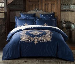Seidenbettwäsche-set bettbezug jacquard online-Luxus Stickerei Bettwäsche Set 4 Stück Jacquard Bettbezug Set Seide Bettwäsche mit Kissenbezug voller Größe
