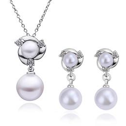 conjunto de joyas de perlas austriacas Rebajas Venta caliente 18 K de oro rosa / platino plateado moda mujeres sistemas de la joyería de la perla de cristal austriaco colgante collares Stud pendientes para mujeres