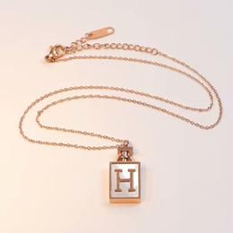 profumi dell'automobile all'ingrosso Sconti 2019 Nuovo lusso di alta qualità H orecchino a bracciale collana di profumo bottiglia anello per uomo donna quarzo Herm miglior regalo gioielli designer di marca regalo ragazza