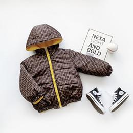 2019 casacos longos de inverno da linha da princesa Designer crianças Casacos de inverno meninas bebê Moda Outwear para baixo algodão acolchoado Jacket Crianças Jacket Baby Girl Brasão Designer