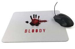 Ratón antideslizante Diseño diy Bloody Gamer PC Juego portátil grande Alfombrilla de ratón roja Pintura negra Alfombrilla de ratón de goma desde fabricantes