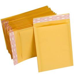 Papier kraft doré en Ligne-Prix usine 20x25cm Matériaux d'emballage d'expédition Rembourré Auto-Joint Or Couleur PE Poly Courrier Enveloppe Mail Sac De Papier Kraft Bulle Mailer