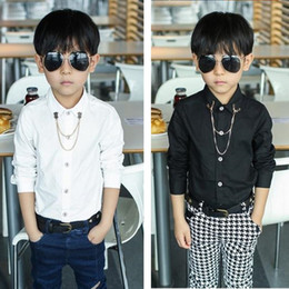 Camicia collare nera online-2018 nuovo modo dei neonati di magliette con la camicia a maniche lunghe / camicia Solid Bianco Nero regalo di metallo della catena del collare per i bambini