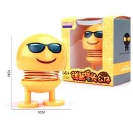 Sallayarak Kafa Oyuncaklar Araba Süsleri Nod Bebekler Sevimli Karikatür Komik Emoji Wobble Başkanı Robot Güzel Araba Dashboard Dekor Aksesuarları cheap robots dolls nereden robot bebekleri tedarikçiler