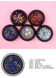 ViiNuro Strass colorati misti per le unghie Pietre di cristallo 3D per decorazioni di arte del chiodo Diamanti per manicure di design fai da te da