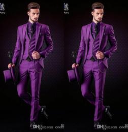 2019 Moda Mor Damat Smokin Tepe Yaka Groomsmen Erkek Gelinlik Yakışıklı Adam Ceket Blazer 3 Parça Suit (Ceket + Pantolon + Yelek + Kravat) supplier handsome man dressing suit nereden yakışıklı erkek pansuman kıyafeti tedarikçiler