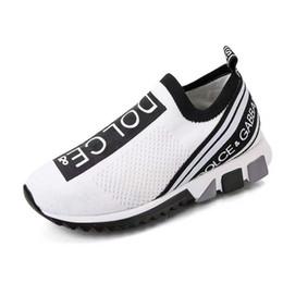 Caja dmx online-Imprescindible Hombres de la marca Graffiti Print Fabric Sorrento Slip-on Zapatillas transpirables Diseñador Mujeres Zapatos de goma de dos tonos Micro Sole Zapatos casuales en caja