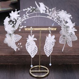 Корейские свадебные платья невесты онлайн-Korean Fairy Sweet Flower Shiny Crystal Bead Hairband Exquisite Floral Earring Wedding Bride Hair Dress Accessories Jewelry Sets