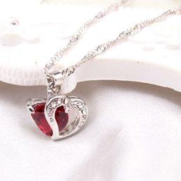 Collar rojo del corazón del rhinestone online-Azul rojo del Rhinestone collar cristalino del amor del corazón de los amantes de plata de la cadena de compromiso Collares