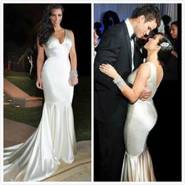 vestiti convenzionali sexy kim kardashian Sconti Kim Kardashian Abiti da sirena sexy lungo abiti da sera formale pavimento lunghezza scollo a V raso elastico abiti da donna economici per le celebrità