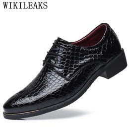 Shoes Qyfcioufu 2019 Genuine Cow Leather Slip On Men Dress Shoes Fashion Retro Comfortable Crocodile Skin Shoes Business Casual Shoes Men's Shoes