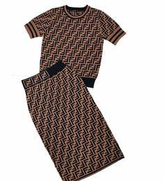 2019 maglieria magliette Europa e Stati Uniti F lettera girocollo maglia di seta del ghiaccio T-shirt a maniche corte Slim temperamento camicia di alta qualità + gonna a due pezzi s maglieria magliette economici