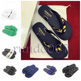 Canada chaud 2019 Designer mode Hommes Plage Slide Sandales Méduse Pantoufles Hommes femmes luxe piscine chaussures casual chaussures Offre