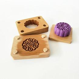 Mooncake werkzeuge online-DIY Handgemachte Mond Kuchenform Blume Formen Umwelt Holz Mooncake Form für Mooncake Backen Werkzeug Plätzchenform QW9937